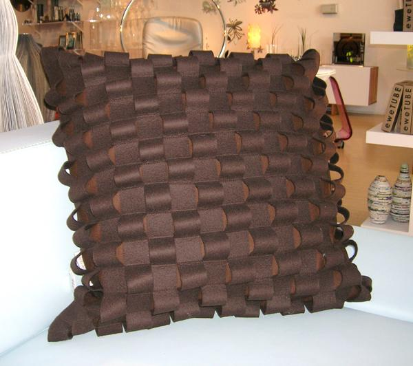 Anne Quinn - Loop Pillow In Brown